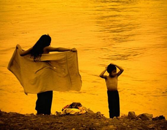 变成河的女人